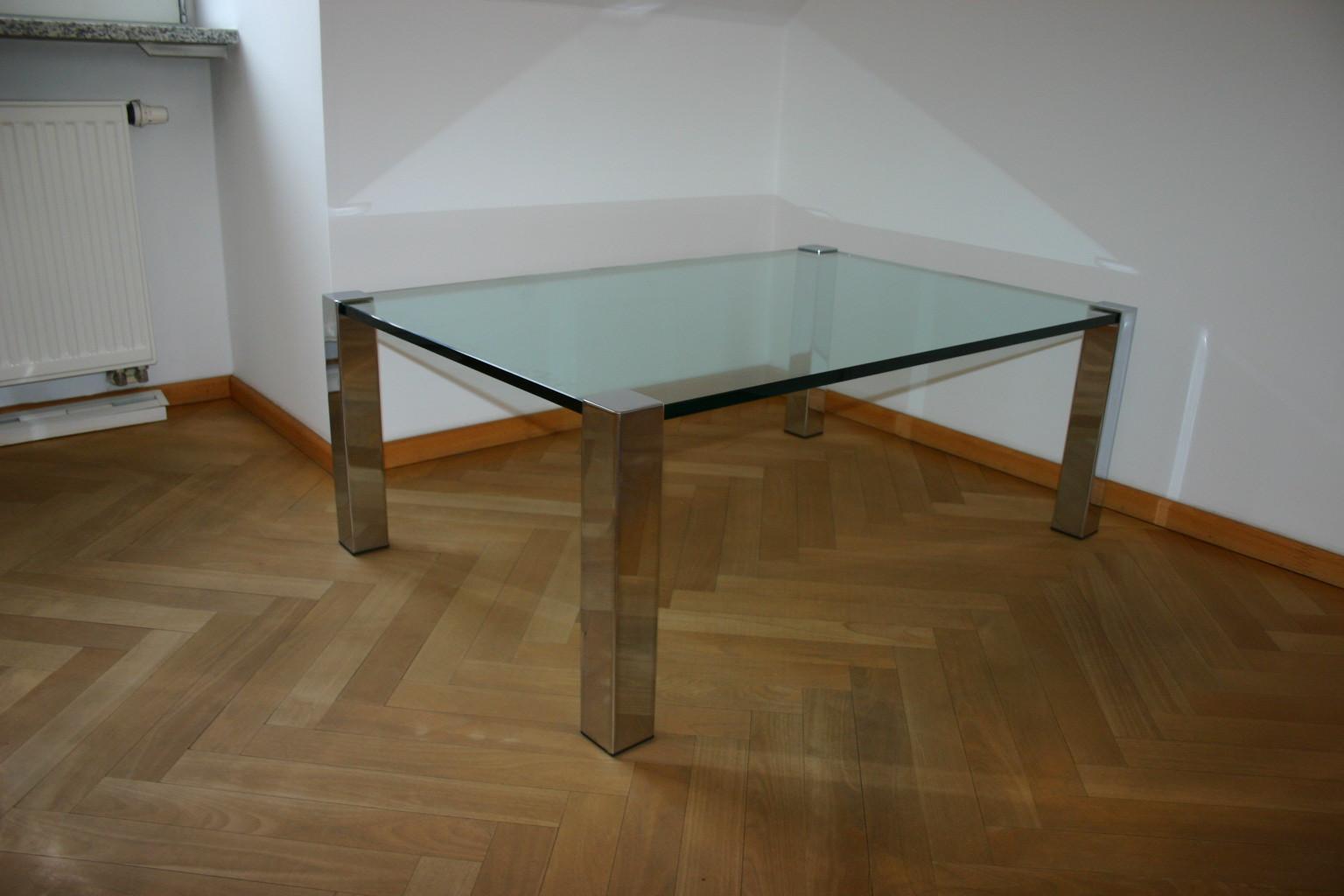 Couchtisch mit Glasplatte  Tische  Unsere Kategorien
