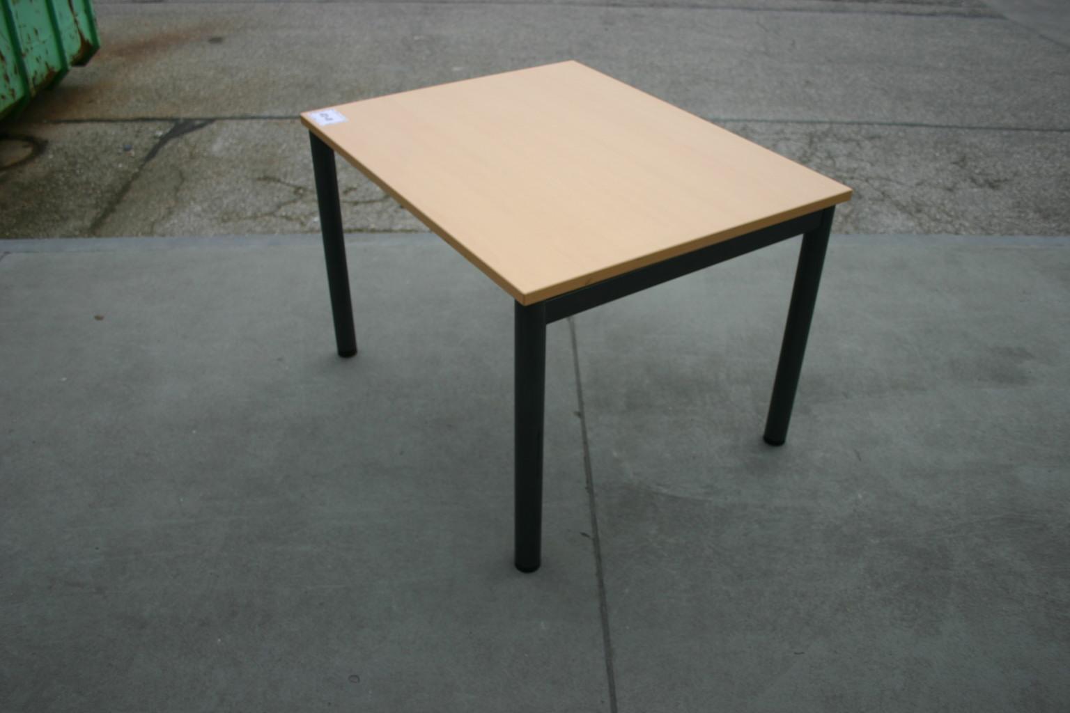 schreibtisch 100 x 80 in ahorn dunkel von steelcase komplettb ros serien unsere kategorien. Black Bedroom Furniture Sets. Home Design Ideas