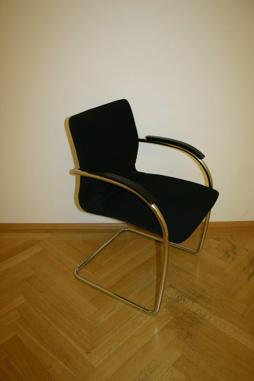 stapelstuhl in schwarz von thonet modell s79. Black Bedroom Furniture Sets. Home Design Ideas