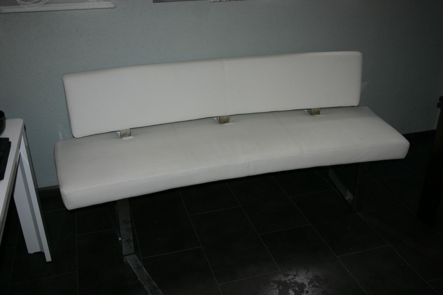 elegante sitzbank sofa couch aus wei em kunstleder. Black Bedroom Furniture Sets. Home Design Ideas