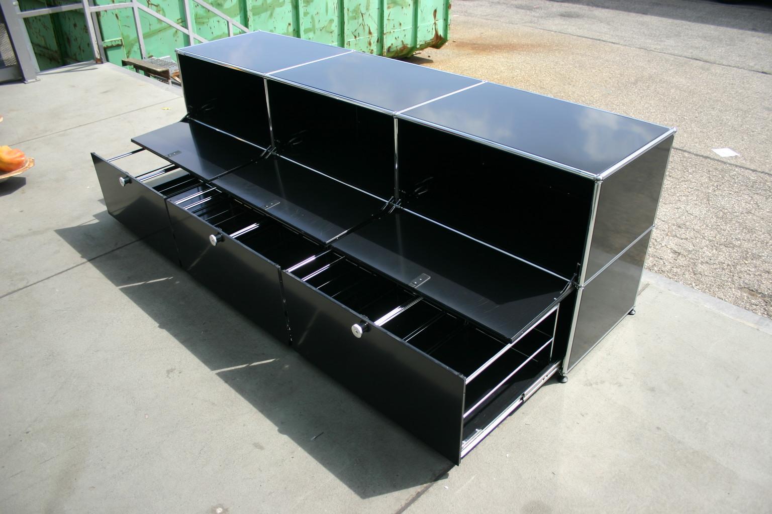 sideboard von usm haller in schwarz. Black Bedroom Furniture Sets. Home Design Ideas