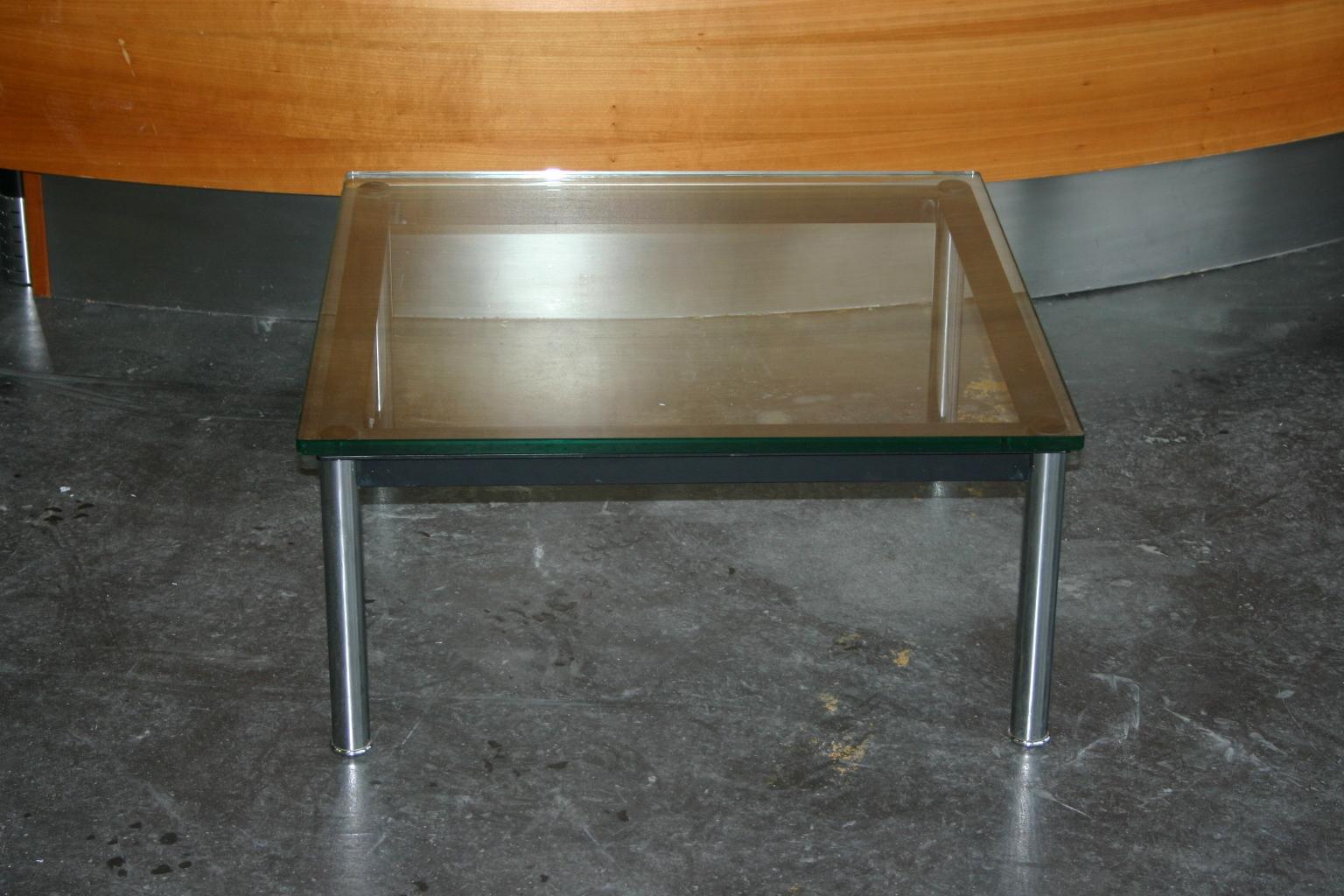 Couchtisch mit Glasplatte von Cassina, Modell LC10
