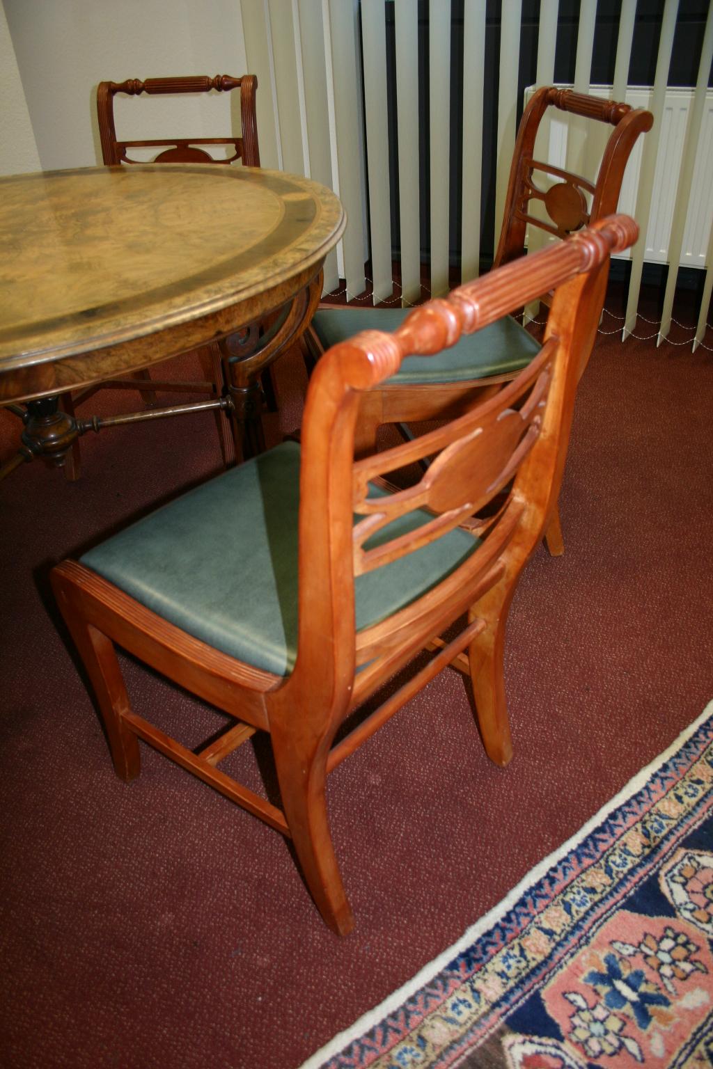 5er stuhl set im antik stil. Black Bedroom Furniture Sets. Home Design Ideas