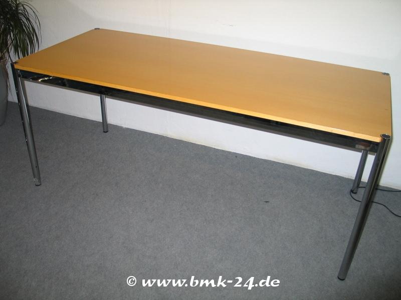 USM Haller Tisch in Ahorn 200 x 100