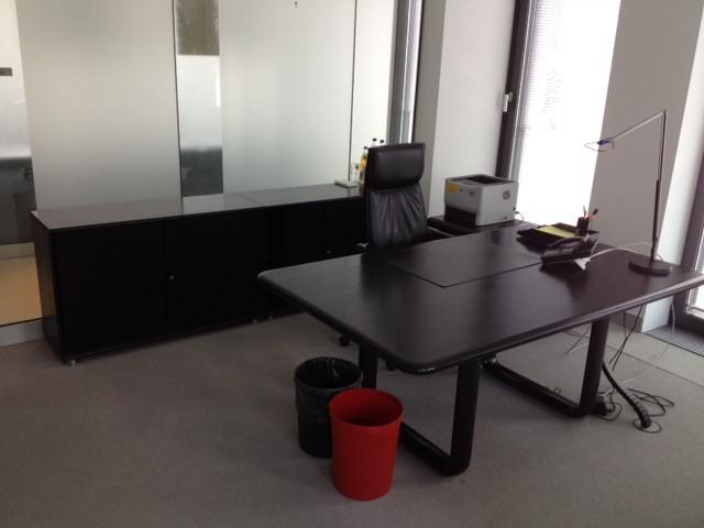 Chef Schreibtisch in schwarz von Rosenthal, Modell Hombre von ...