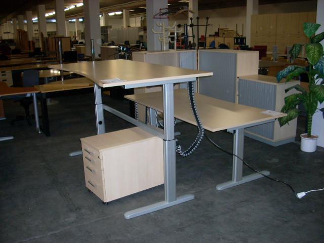 Elektrischer Schreibtisch 200 x 100 in Ahorn von CEKA