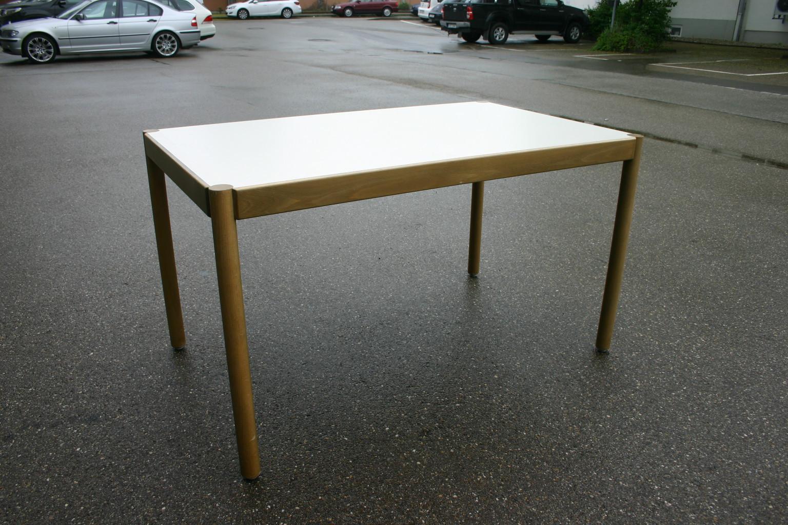 Holztisch aus buche mit melaminplatte kantinentisch for Holztisch gebraucht