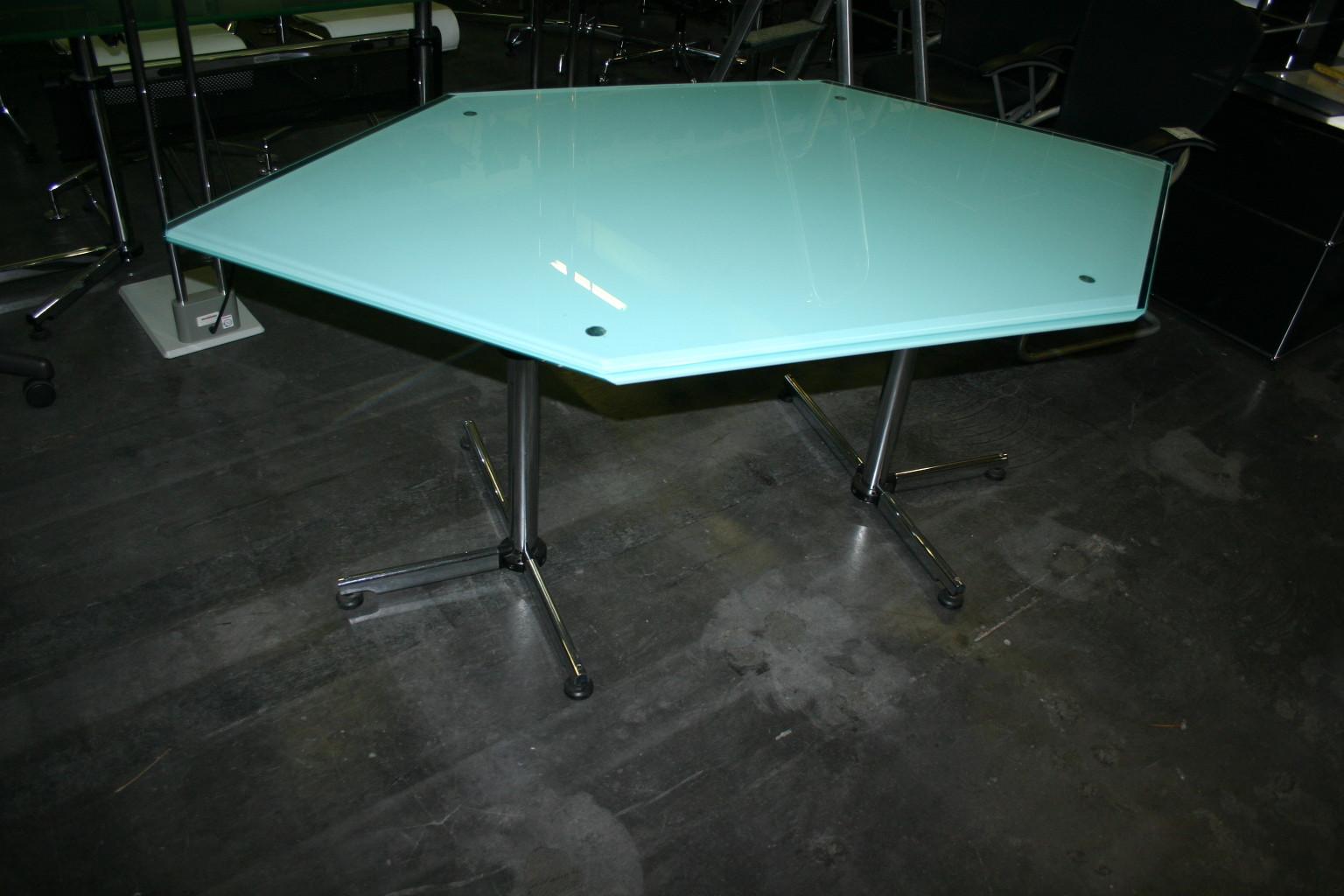 glastisch von usm haller kitos. Black Bedroom Furniture Sets. Home Design Ideas