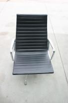 Eleganter Aluchair EA116 von Vitra, Charles Eames