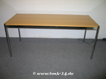 USM Haller Tisch in Ahorn 150 x 75