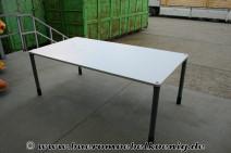 Komplettbüro: Schreibtisch 200 x 100, 2 Sideboard, Rollcontainer in lichtgrau von Werndl
