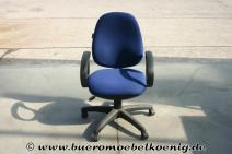 Drehstuhl in blau / schwarz von Coporate Express - NEU