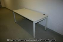 Eleganter Schreibtisch in weiß von Schärf, 200 cm