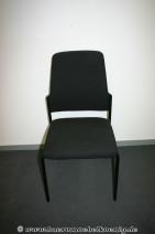 Stapelstuhl in schwarz von Interstuhl
