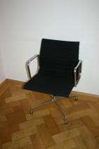 Eleganter Aluchair EA108 von Vitra, Charles Eames