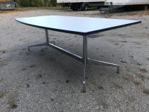 Segmented Table von Charles Eames für Vitra mit Platte in weiß