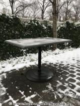 Outdoor-Tisch mit Werzalitplatte von GO IN