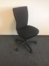 Drehstuhl in schwarz von Vitra, Modell T-Chair, Designer Antonio Citterio