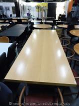 Großer Konferenztisch in Ahorn Echtholz