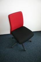 Drehstuhl in schwarz / rot von Girsberger