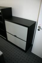2 OH Vertikalrolladensideboard in schwarz / silber von Bulo