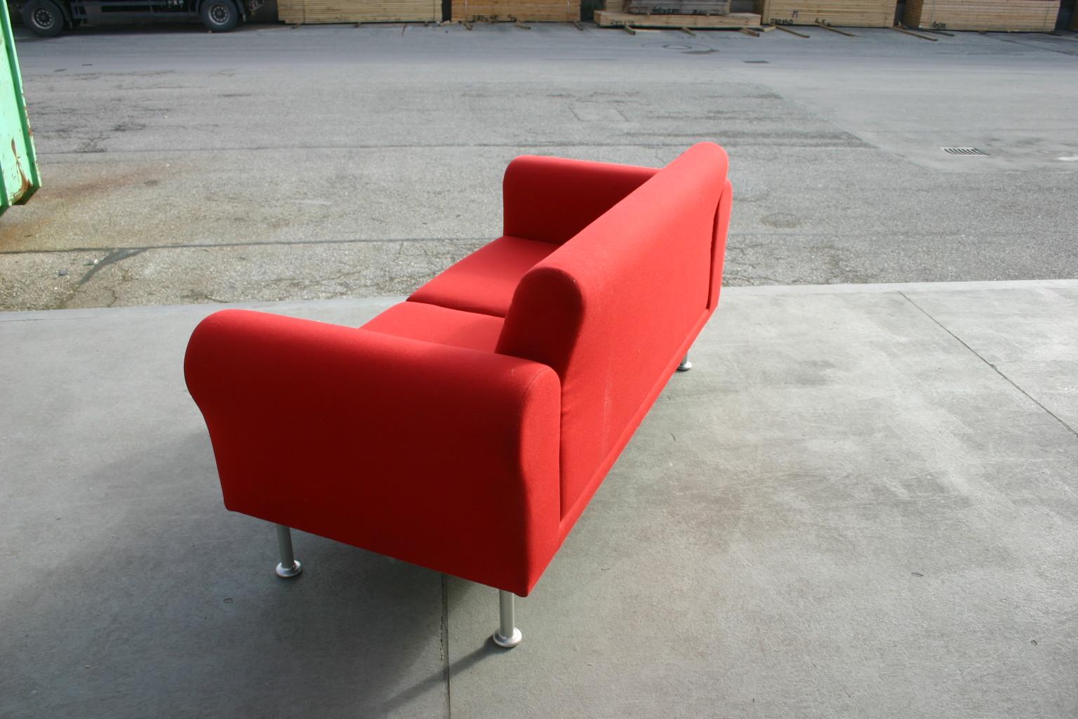 sofa in rot von vitra empfangsm bel unsere kategorien. Black Bedroom Furniture Sets. Home Design Ideas