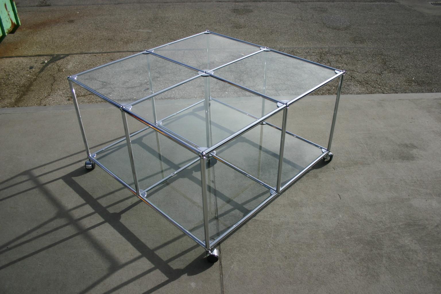 tisch von usm haller in glas vitrinen glas usm. Black Bedroom Furniture Sets. Home Design Ideas