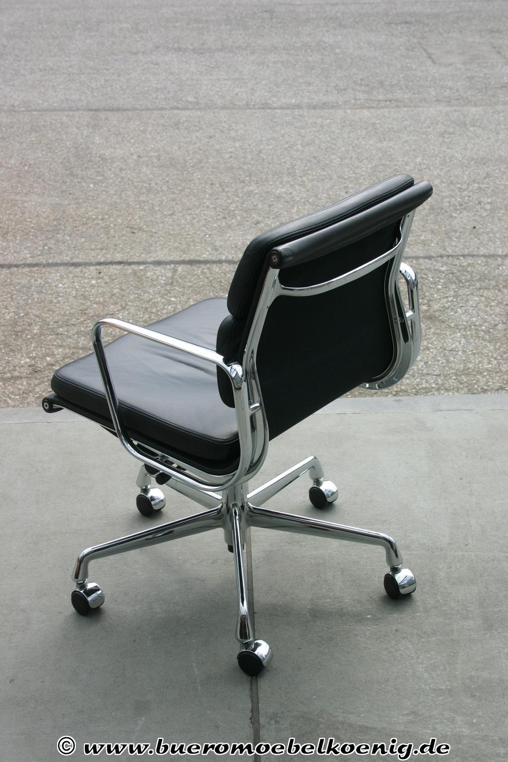 Eleganter Softpad Chair EA 217 von Vitra, Charles Eames