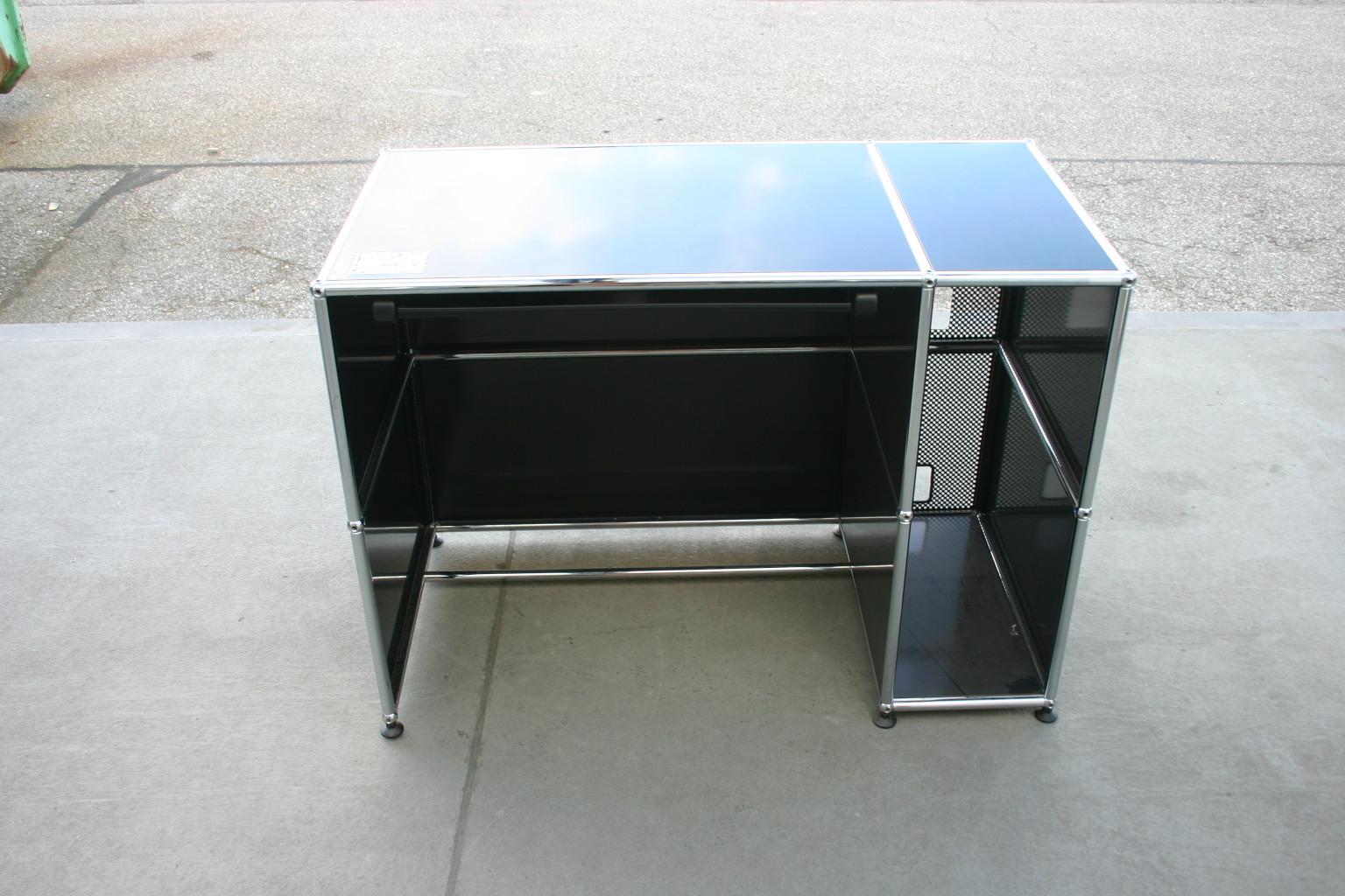 computertisch in schwarz blau von usm haller usm. Black Bedroom Furniture Sets. Home Design Ideas