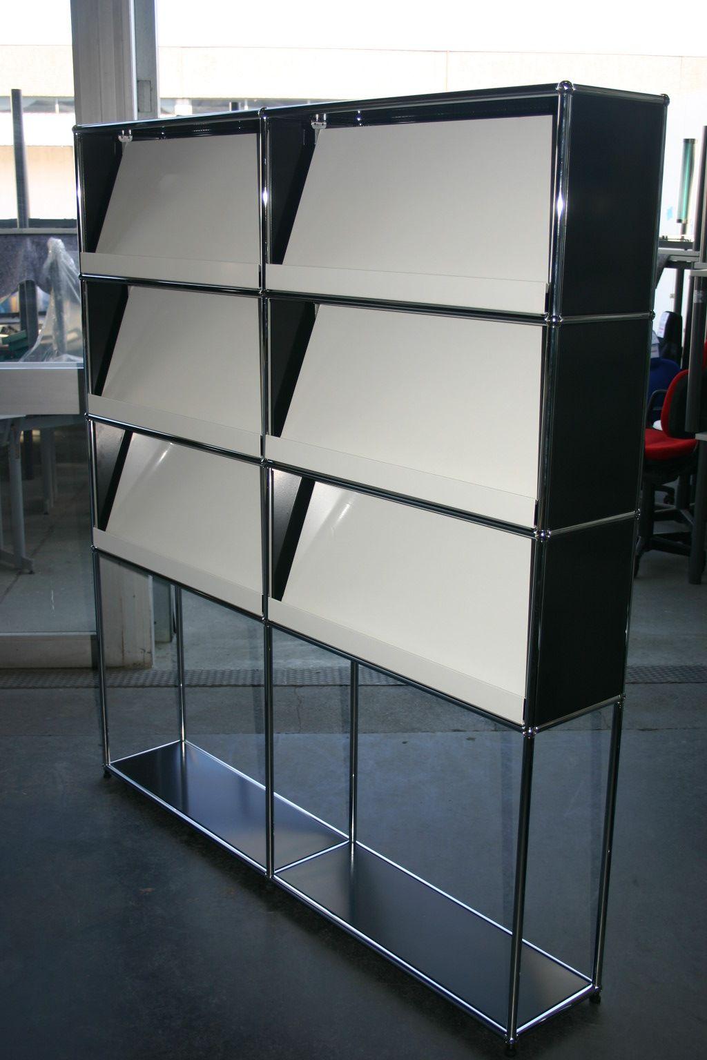 prospektregal von usm haller in schwarz wei. Black Bedroom Furniture Sets. Home Design Ideas