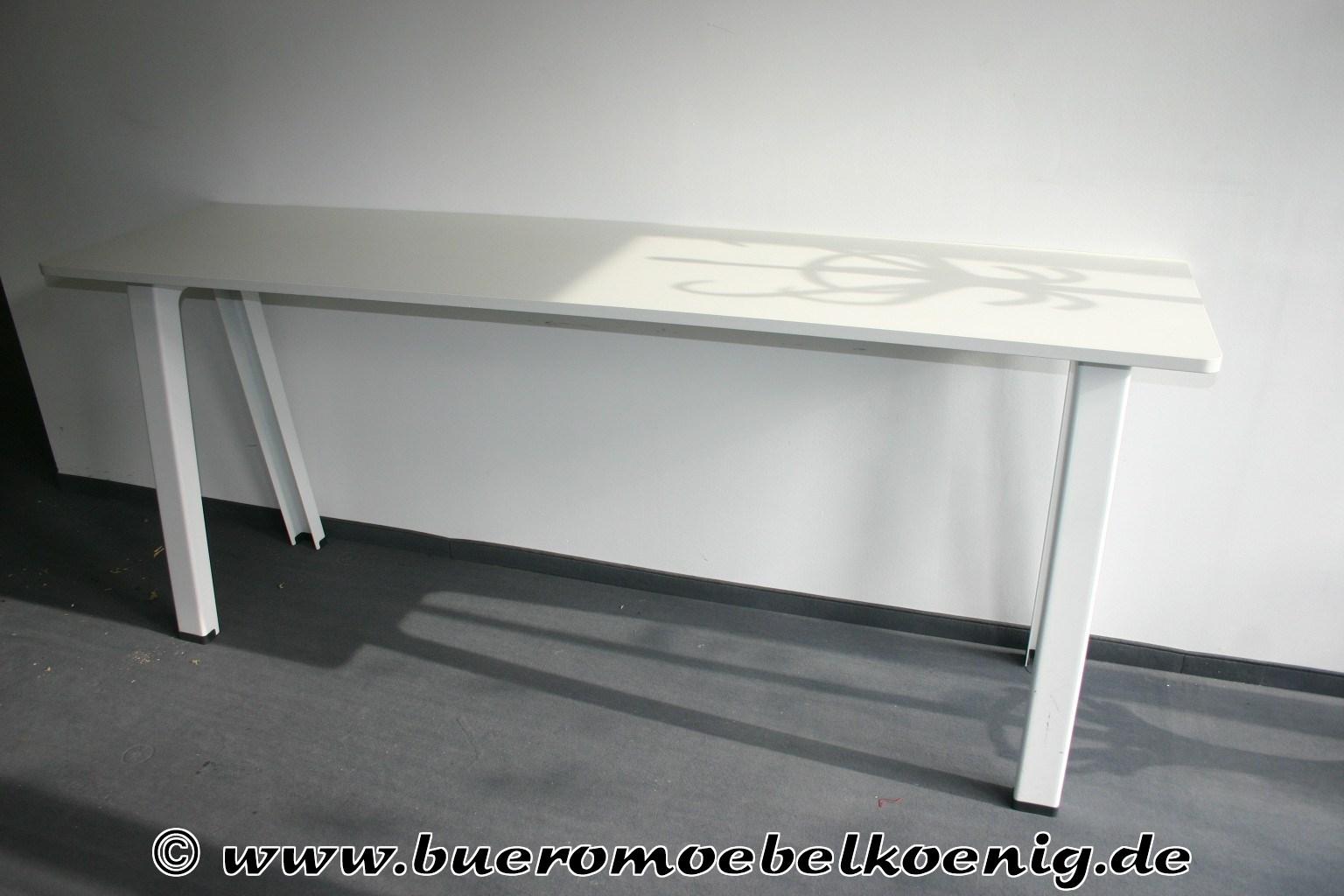 stehtisch in wei von steelcase modell b free tische. Black Bedroom Furniture Sets. Home Design Ideas