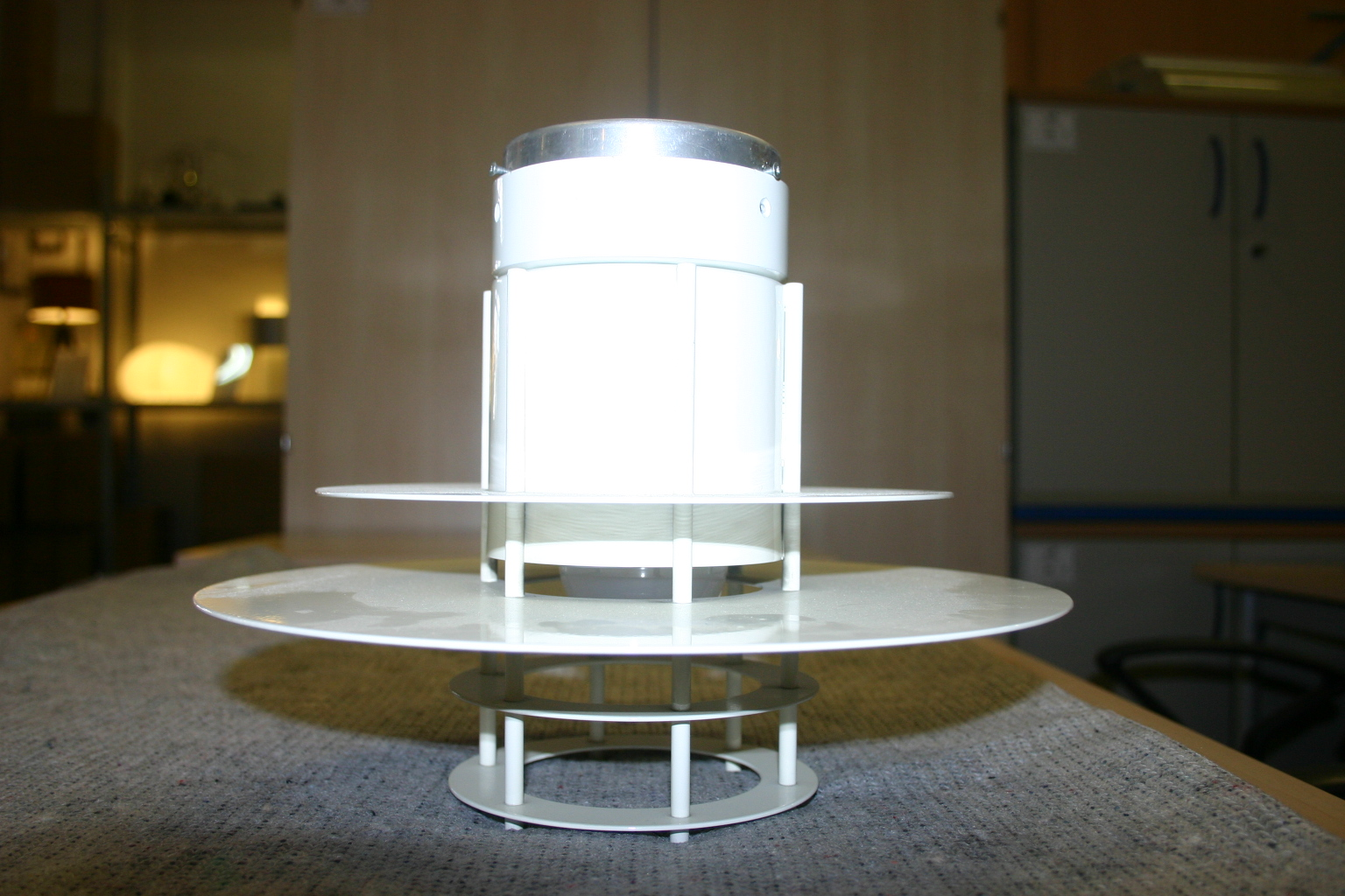 designer deckenlampe von louis poulsen oder m ller jensen. Black Bedroom Furniture Sets. Home Design Ideas