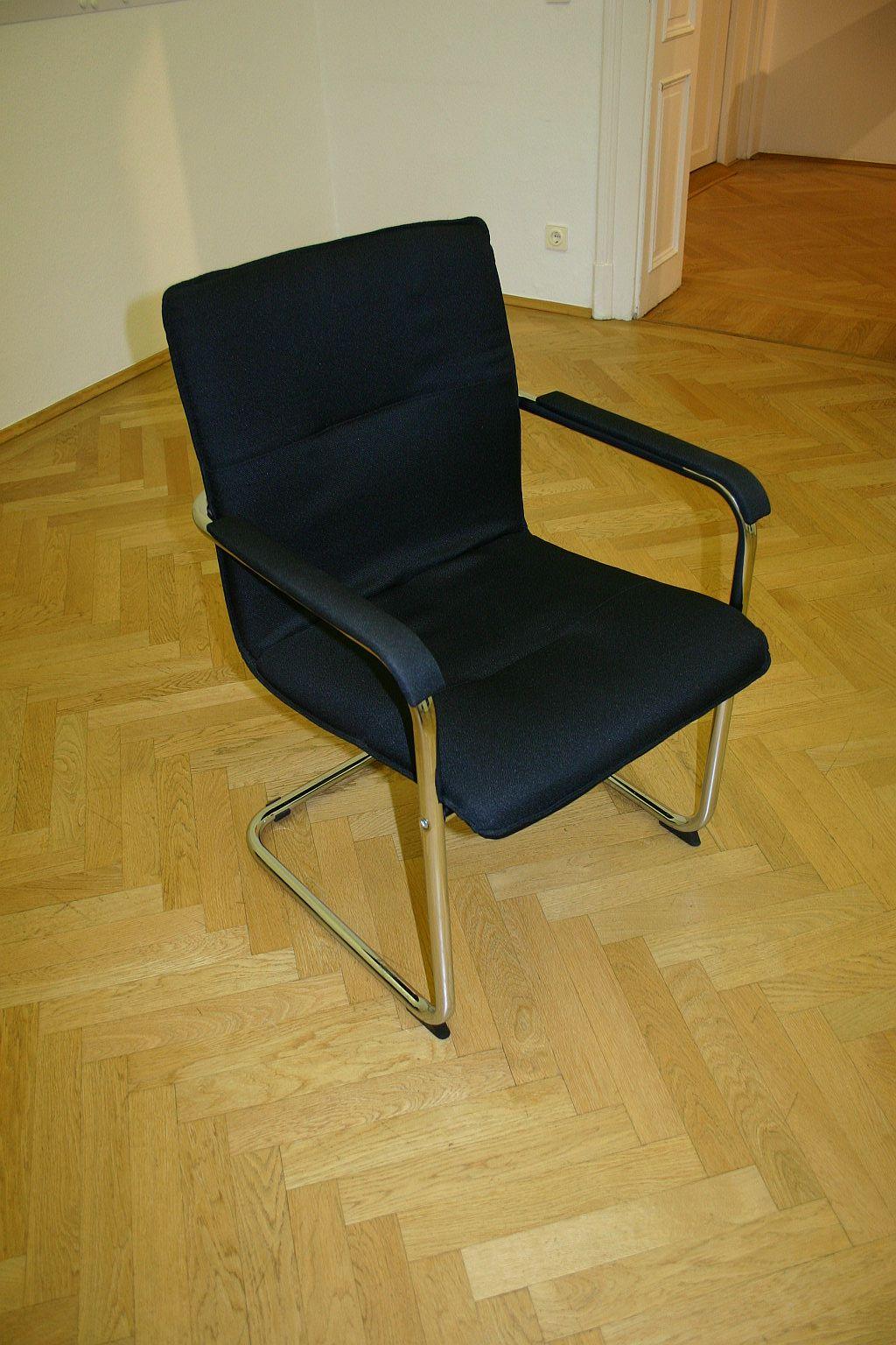 freischwinger in schwarz chrom st hle unsere kategorien. Black Bedroom Furniture Sets. Home Design Ideas