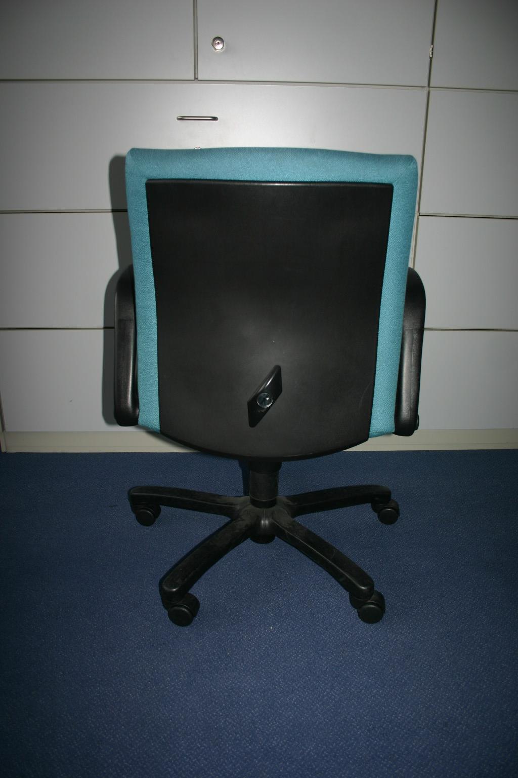 Hochwertiger Drehstuhl Von Comforto
