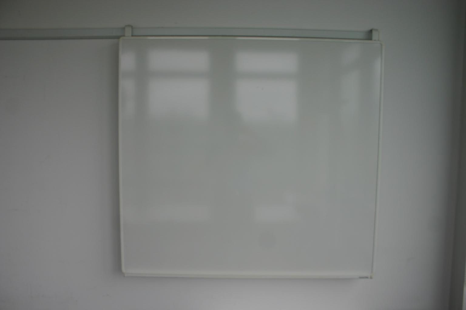 whiteboard mit wandschiene gr e 112 x 120 cm magnetisch. Black Bedroom Furniture Sets. Home Design Ideas