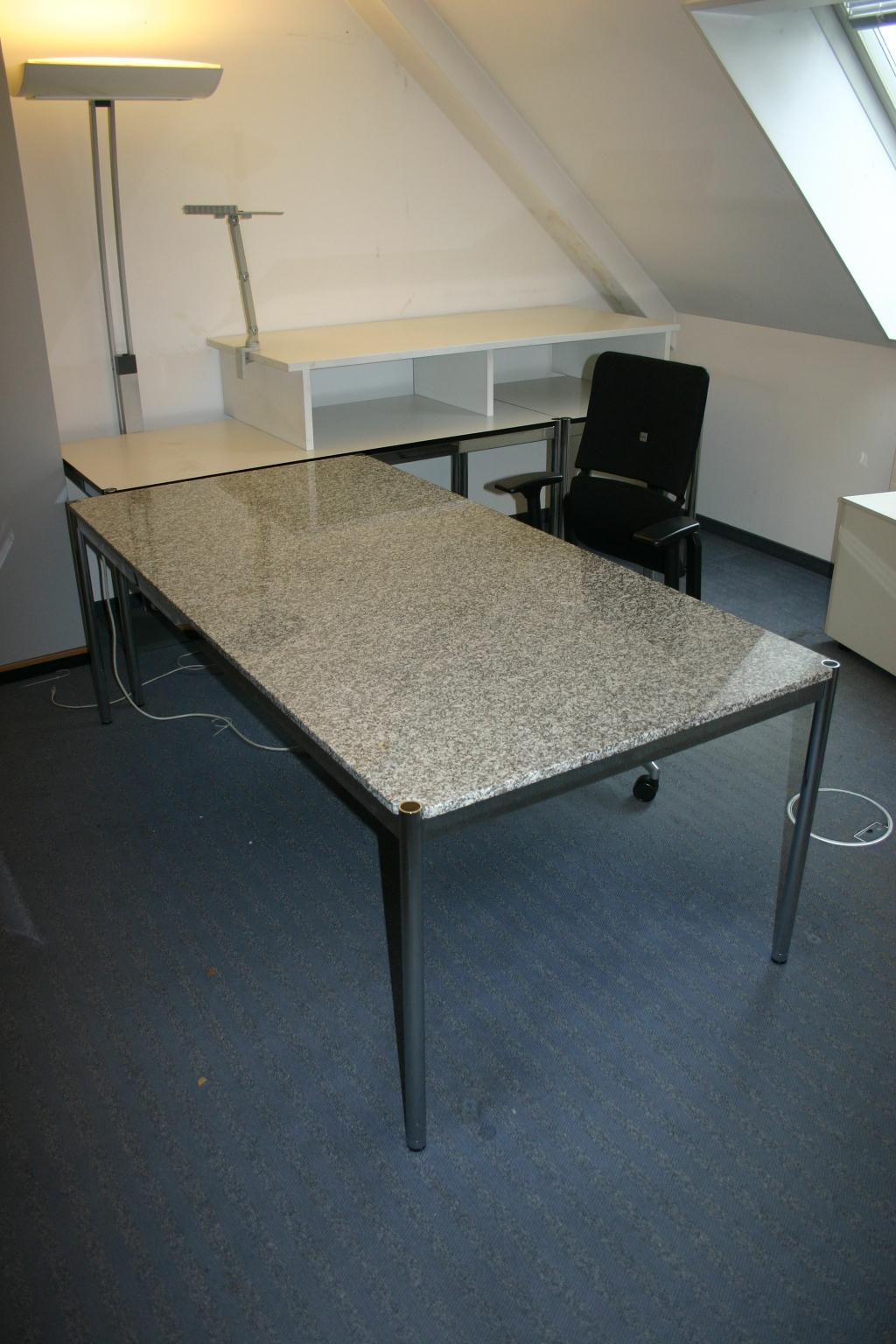 schreibtisch 150 x 75 aus granit von usm haller usm haller unsere kategorien. Black Bedroom Furniture Sets. Home Design Ideas