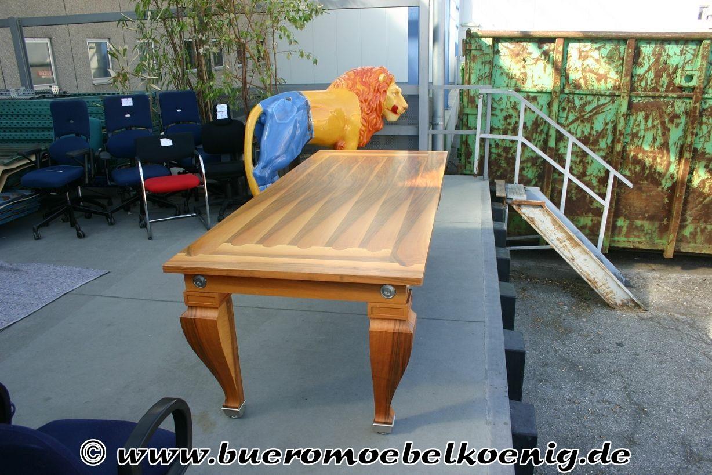 antiker tisch als besprechungstisch oder esstisch antiquit ten design klassiker unsere. Black Bedroom Furniture Sets. Home Design Ideas