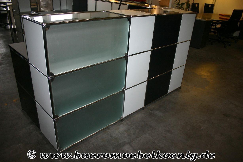 empfangstheke in schwarz wei glas von usm haller. Black Bedroom Furniture Sets. Home Design Ideas