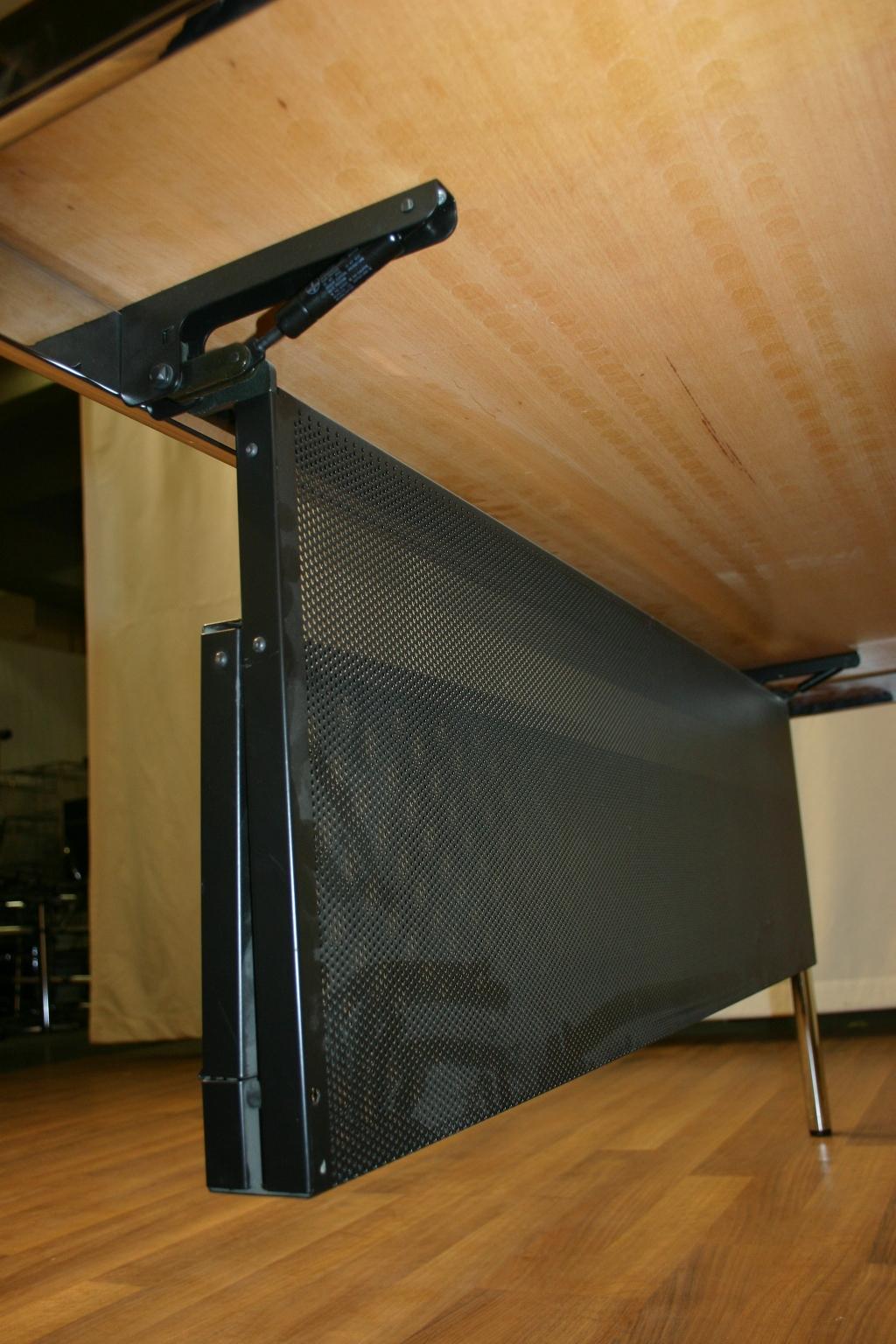 Knieblende kabelkorb von usm haller in schwarz for Usm haller gebraucht