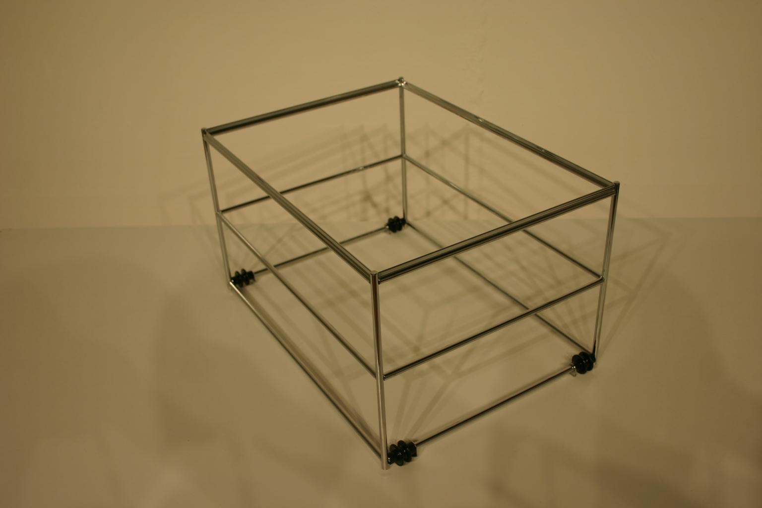 usm haller hr korb in chrom. Black Bedroom Furniture Sets. Home Design Ideas